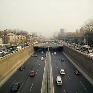 December_27__2014_at_0502AM_Laufen_war_schneller_als_das_Taxi__beijing__traffic