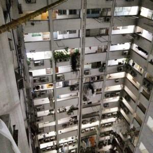 December_29__2014_at_0232AM_Lichthof_im_dunklen.__hk__HongKong__hostel