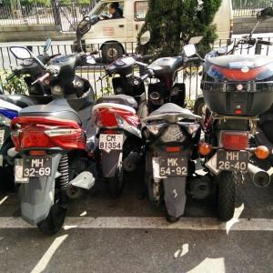 December_31__2014_at_0159PM_In_Macau_wird_platzsparend_geparkt.__macau