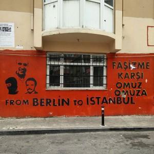 August_02__2015_at_0308PM_In_unserem_Viertel_gibt_es_viel_linke_und_antifaschistische_Streetart._Alles_richtig_gemacht.__istanbul___i_li