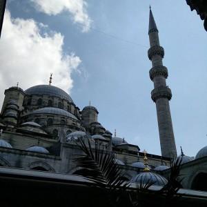 August_03__2015_at_0129PM_Malta_hat__ber_360_Kirchen._Ich_wette__Istanbul_kann_das_mit_Moscheen_toppen.__istanbul