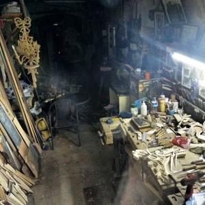 August_06__2015_at_0255PM_Hidden_in_Galata_basements_small_carpenter_s_workshops__istanbul__galata__craftmanship