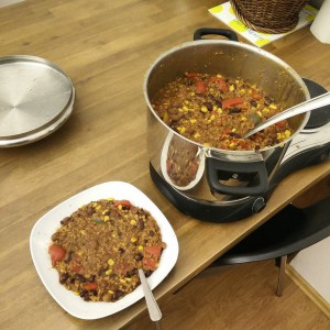 October_29__2015_at_0720PM_We_made_some_vegetarian_chili_at_the_office__and_some_con_carne_